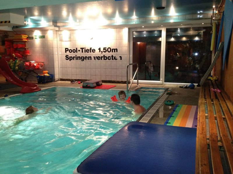 2012-01_Schwimmen Nikolai 4